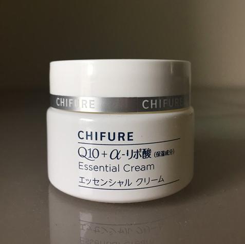 敏感肌の私が使って心地よいちふれ化粧品の保湿エッセンシャルクリーム
